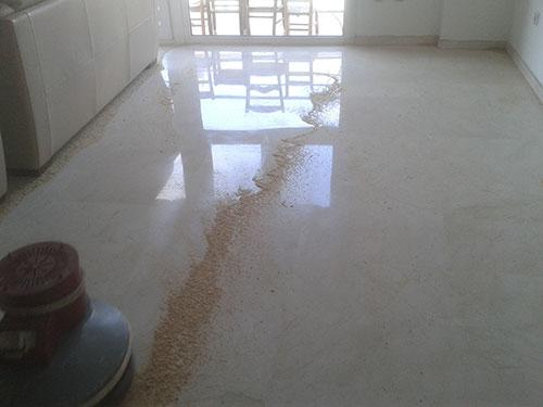 pulir suelo de hormigón